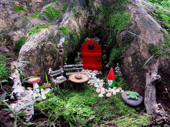 Fairy Garden Tree Trunk #fairygarden #diy #decorhomeideas