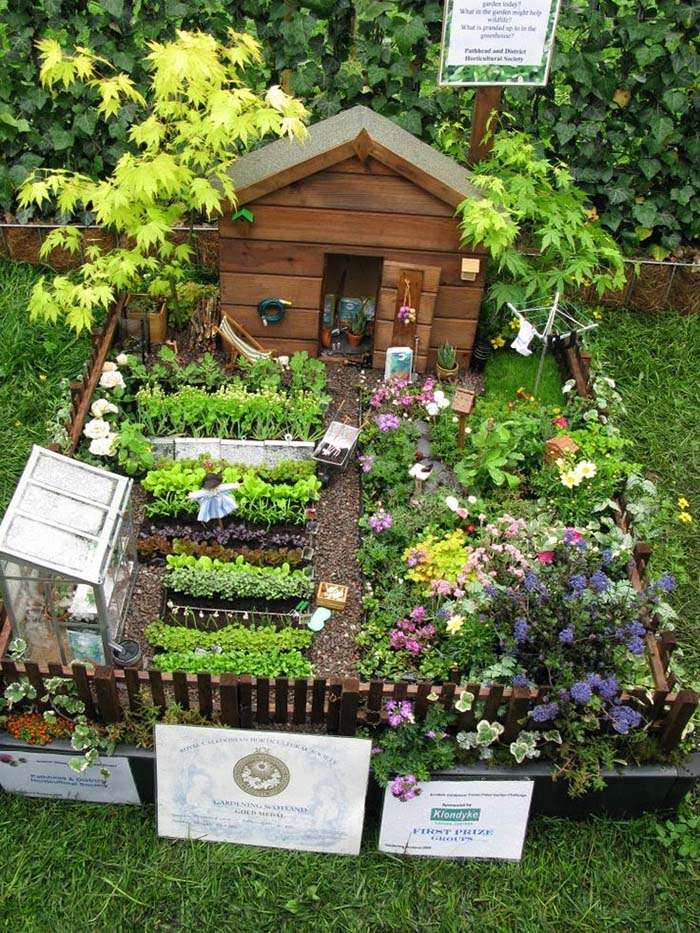 Fairy Garden Within Real Garden #fairygarden #diy #decorhomeideas