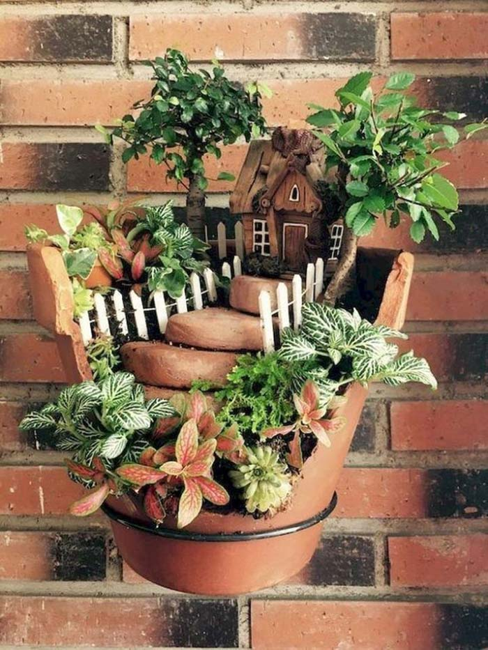 Floating Miniature Garden Idea #fairygarden #diy #decorhomeideas