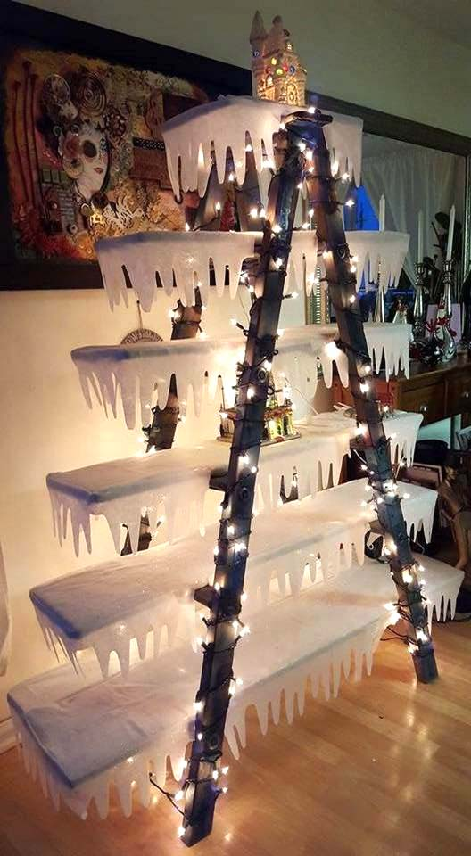 Frozen Ladder Christmas Tree #Christmas #trees #decorhomeideas