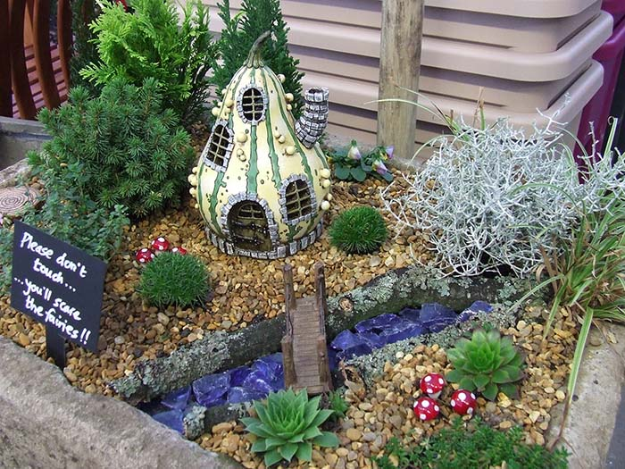 Gourd garden miniature garden ideas #fairygarden #diy #decorhomeideas