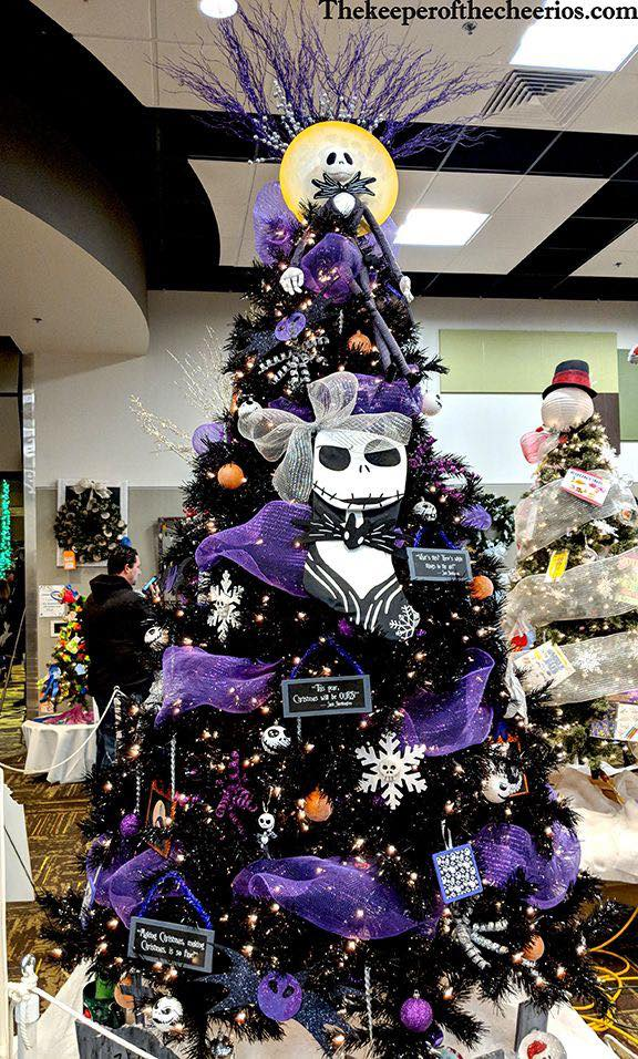 Halloween Christmas Tree #Christmas #trees #decorhomeideas