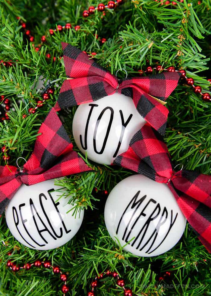 Inspired Christmas Ornaments #Christmas #buffalocheck #diy #decorhomeideas