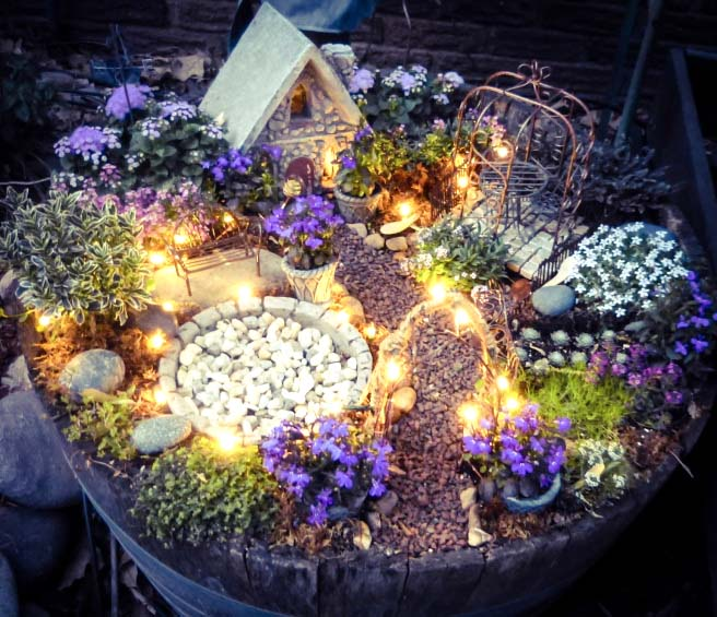 Magic Lights Fairy Garden #fairygarden #diy #decorhomeideas