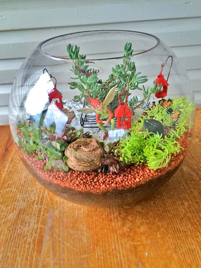 Miniature Terrarium Fairy Garden round glass fish bowl #fairygarden #diy #decorhomeideas