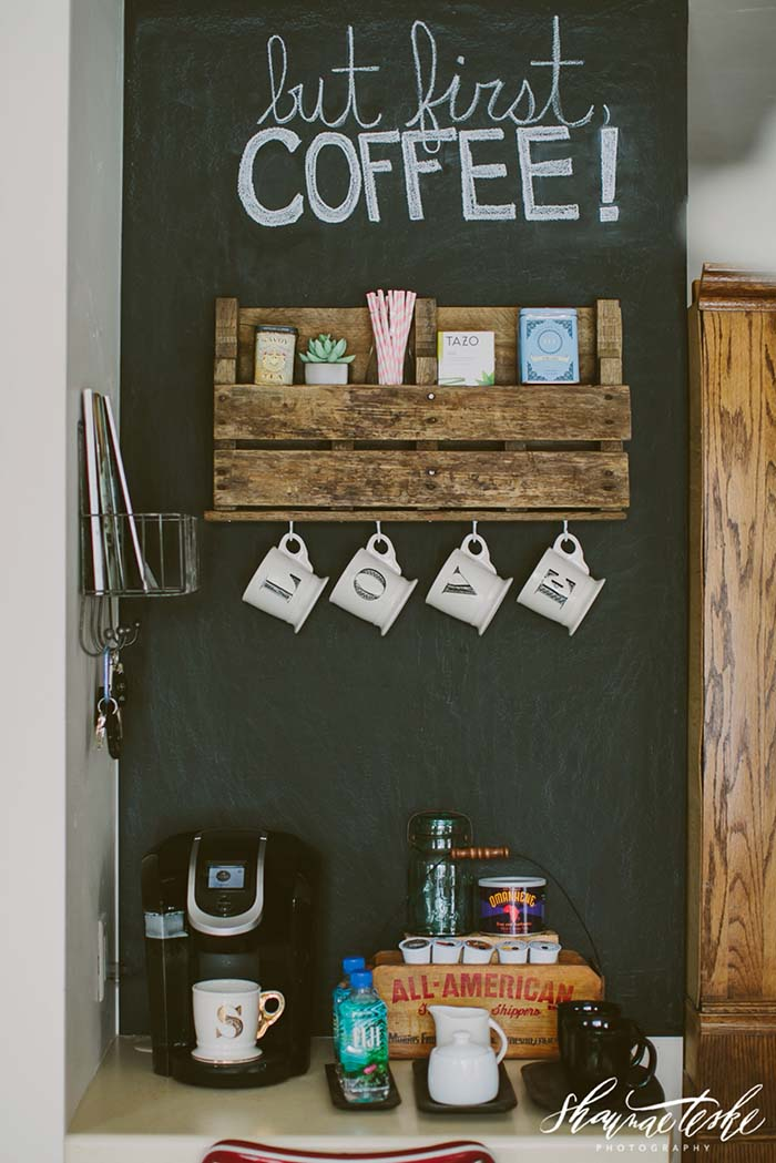 Old Pallet Coffee Bar #coffeebar #coffeestation #decorhomeideas