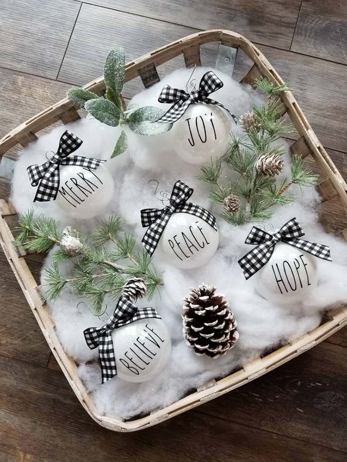 Quotes Buffalo Plaid Christmas Ornaments #Christmas #buffalocheck #diy #decorhomeideas