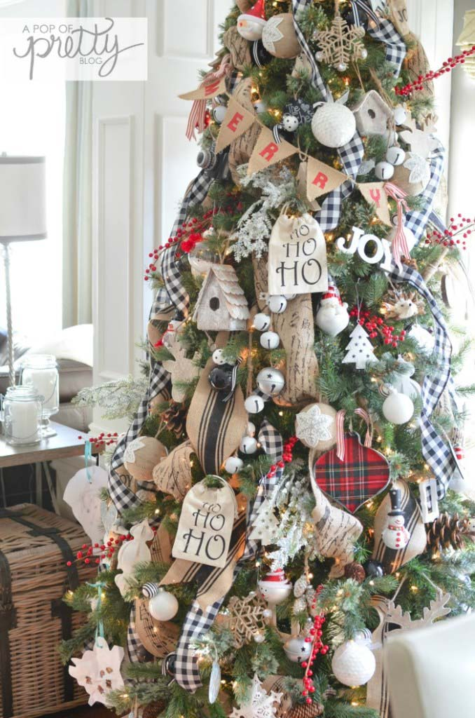 Red Plaid Christmas Tree #Christmas #buffalocheck #diy #decorhomeideas