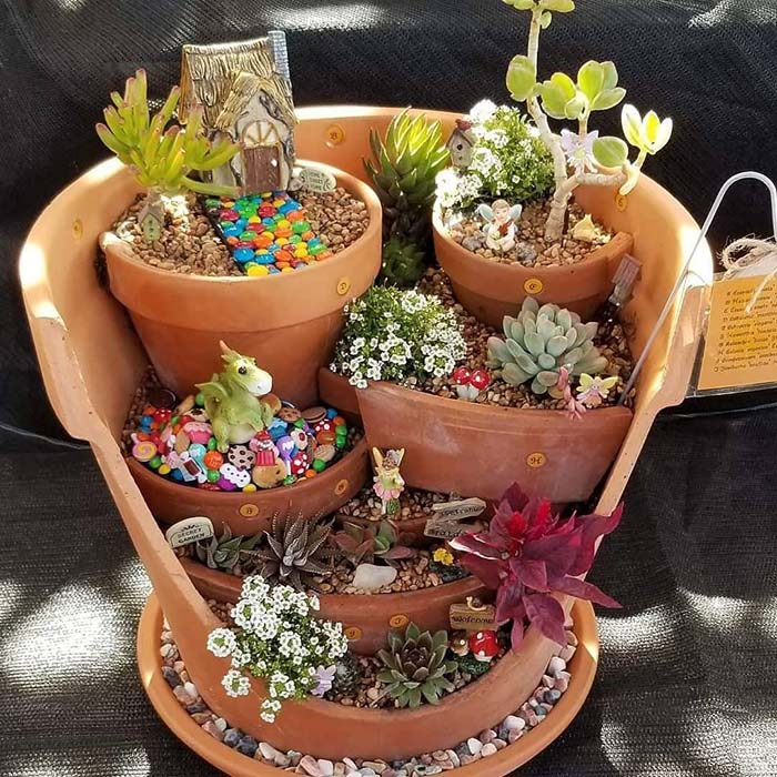 DIY Tiered Pot Fairy Garden #fairygarden #diy #decorhomeideas