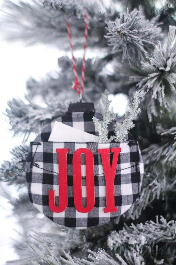 Upcycled Plaid Ornament #Christmas #buffalocheck #diy #decorhomeideas