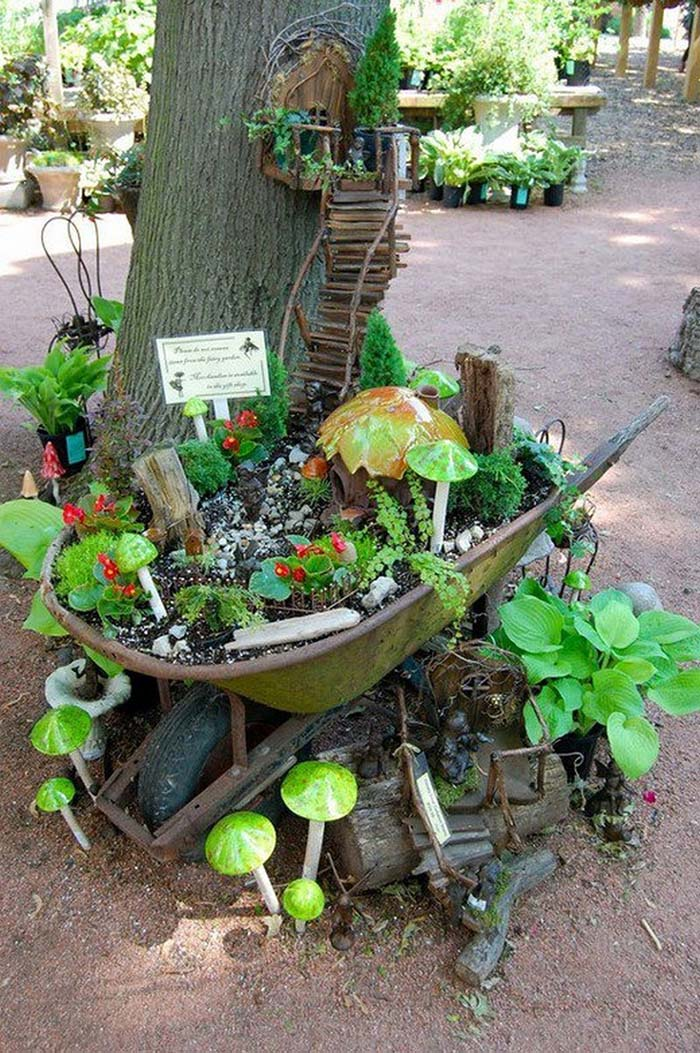 Wheel Barrow Fairy Garden Ideas #fairygarden #diy #decorhomeideas