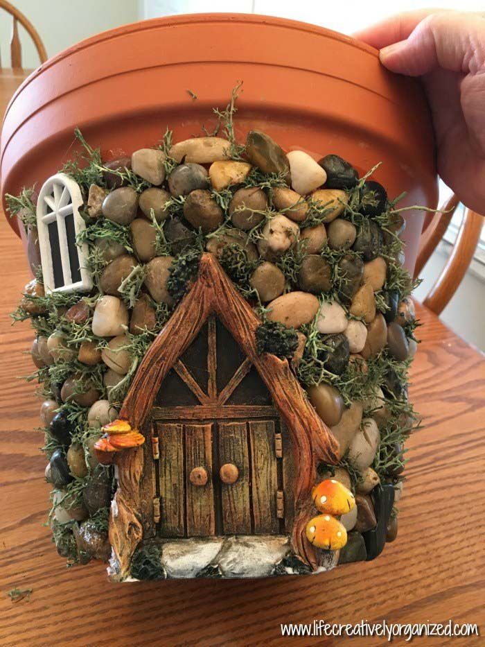 Whimsical DIY Fairy House Planter #fairygarden #diy #decorhomeideas