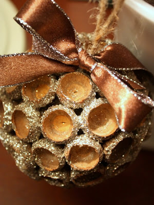 Acorn Cap Ornament #Christmas #natural #decoration #decorhomeideas