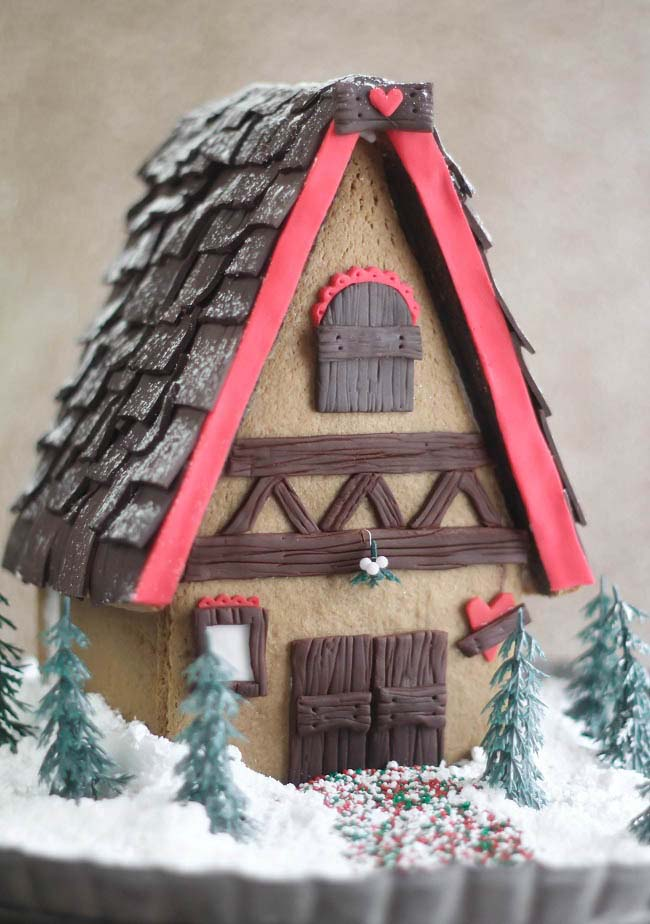 Bavarian Gingerbread House #Christmas #gingerbread #house #decorhomeideas