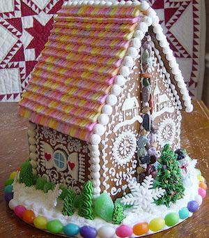 Beautiful Gingerbread House #Christmas #gingerbread #house #decorhomeideas