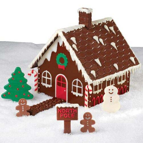 Chocolate Gingerbread House #Christmas #gingerbread #house #decorhomeideas