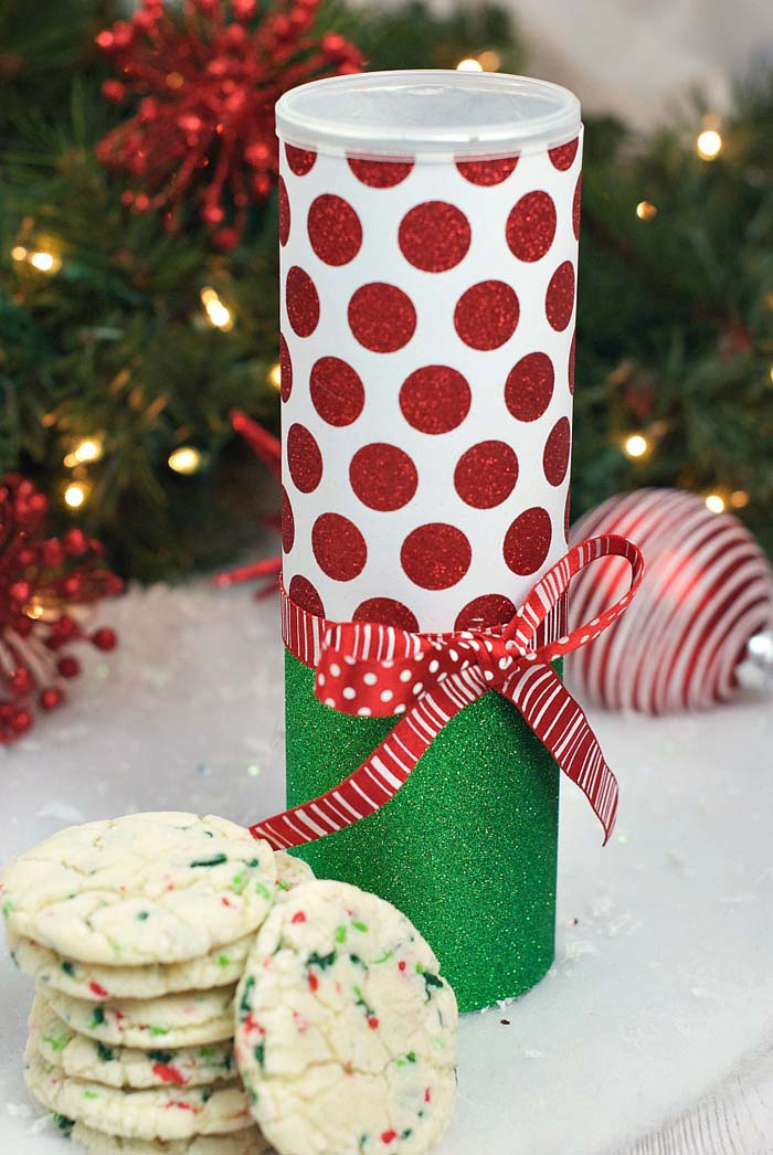 Christmas Cookie Cans  #Christmas #diy #stocking #stuffer #decorhomeideas