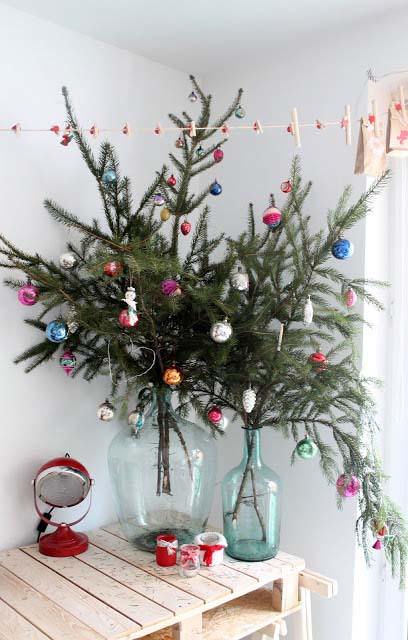 Christmas Tree in a Vase #Christmas #natural #decoration #decorhomeideas