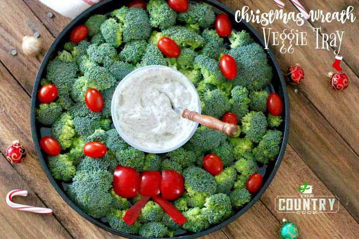 Christmas Wreath Vegetable Tray