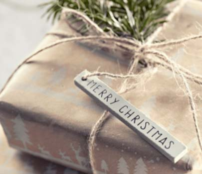 Clay Gift Tag #Christmas #diy #gift #wrapping #decorhomeideas