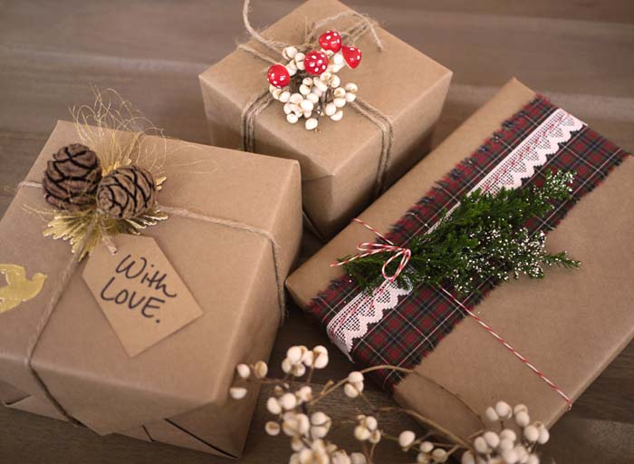 DIY Gift Wrap #Christmas #diy #gift #wrapping #decorhomeideas