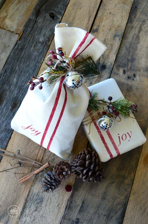 Drop Cloth Gift Wrap #Christmas #diy #gift #wrapping #decorhomeideas