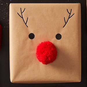 Easy Reindeer Gift Paper #Christmas #diy #gift #wrapping #decorhomeideas