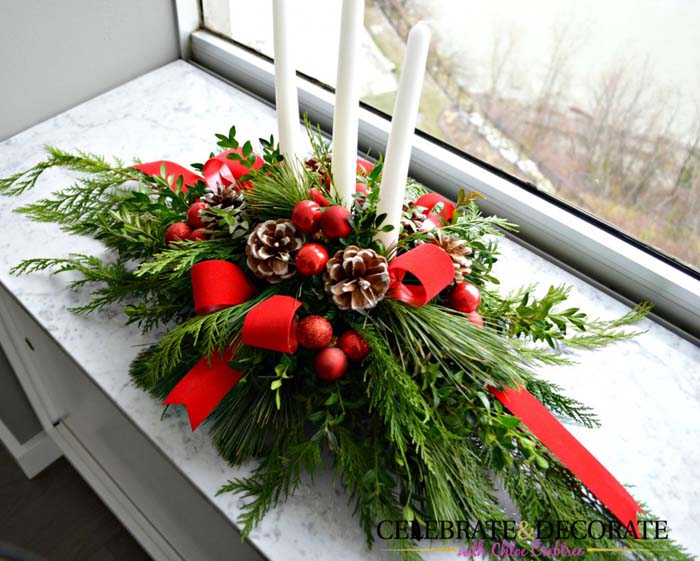 Evergreen and red Christmas Centerpiece #Christmas #natural #decoration #decorhomeideas