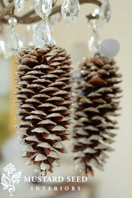 Frosted Pinecone Ornament #Christmas #natural #decoration #decorhomeideas