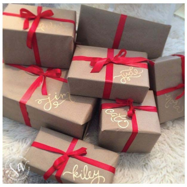 Frugal Kraft Paper Red Ribbon Gift Wrapping #Christmas #diy #gift #wrapping #decorhomeideas