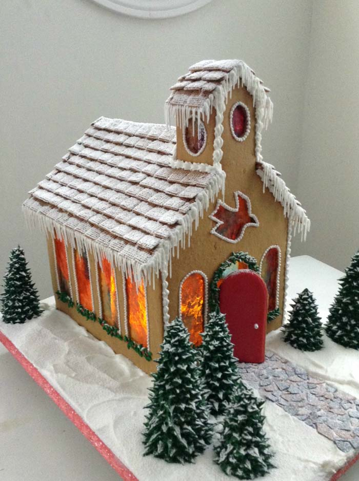 Gingerbread Church Sweetopia #Christmas #gingerbread #house #decorhomeideas