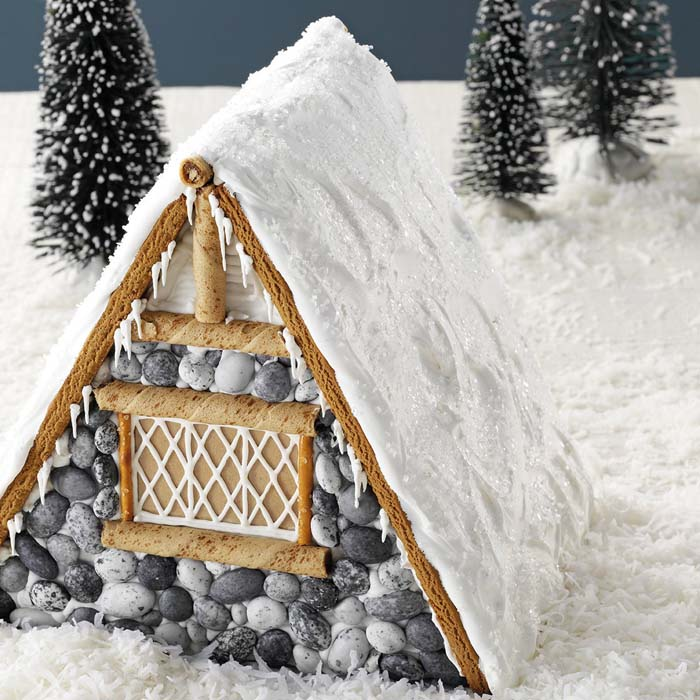 Gingerbread Lodge #Christmas #gingerbread #house #decorhomeideas