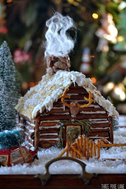 Gingerbread Log Cabin #Christmas #gingerbread #house #decorhomeideas