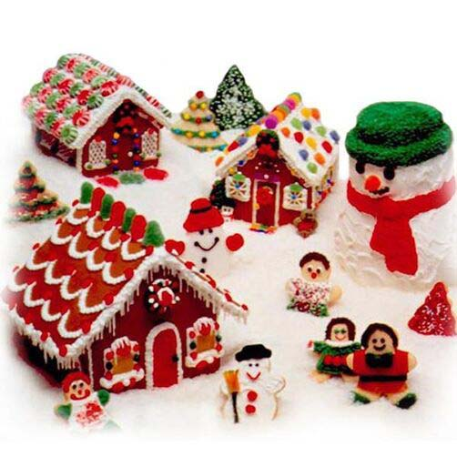 Gingerbread Village #Christmas #gingerbread #house #decorhomeideas