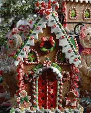 Gorgeous Gingerbread House #Christmas #gingerbread #house #decorhomeideas