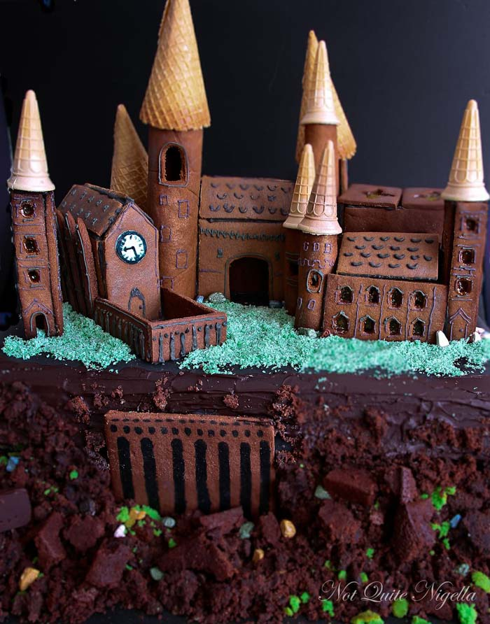 Hogwarts Gingerbread Castle #Christmas #gingerbread #house #decorhomeideas