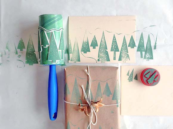 Lint Roller Christmas Tree Stamp #Christmas #diy #gift #wrapping #decorhomeideas