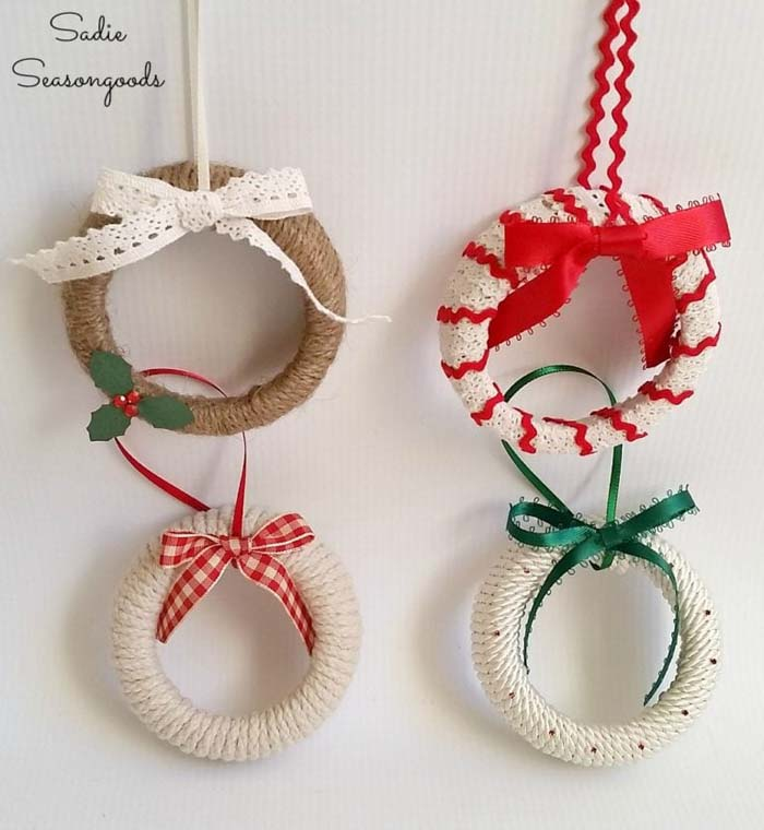 Mason Jar Lid Christmas Wreath Ornaments