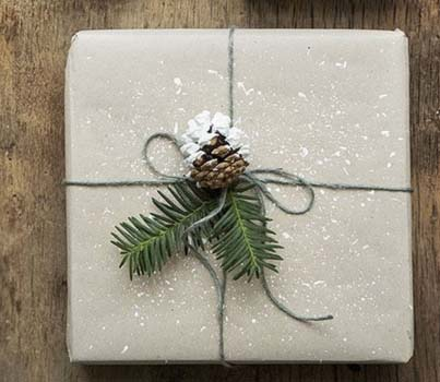 Natural Christmas Wrapping Paper #Christmas #diy #gift #wrapping #decorhomeideas