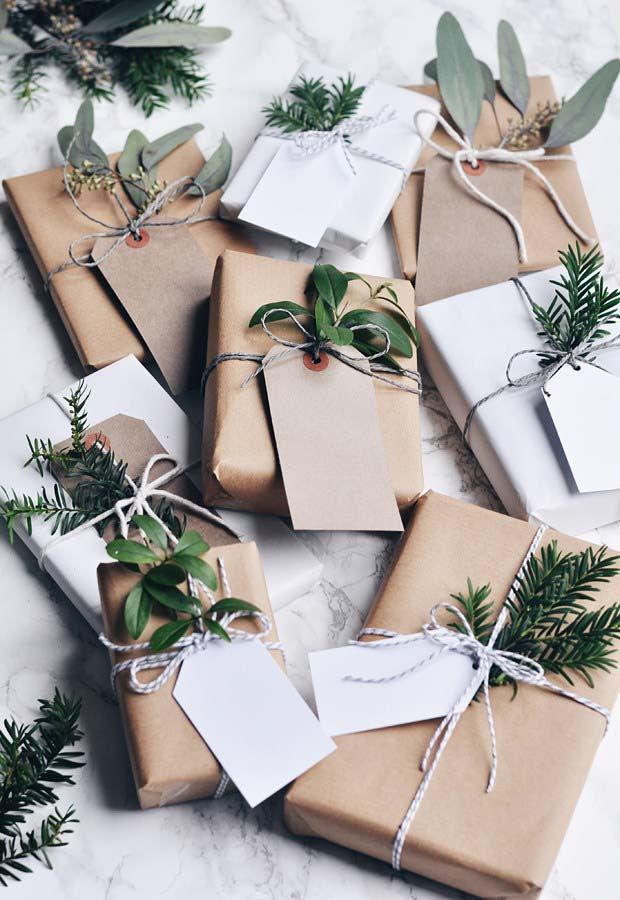 Natural Neutral Gift Wrap #Christmas #diy #gift #wrapping #decorhomeideas