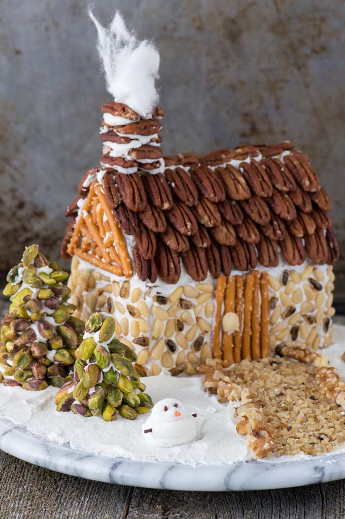 Nut Gingerbread House #Christmas #gingerbread #house #decorhomeideas
