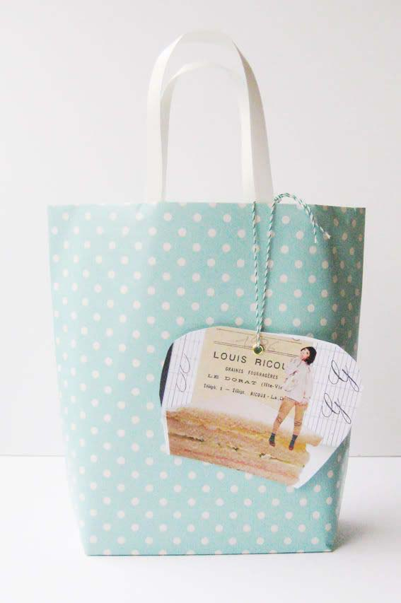 Paper Gift Bag #Christmas #diy #gift #wrapping #decorhomeideas