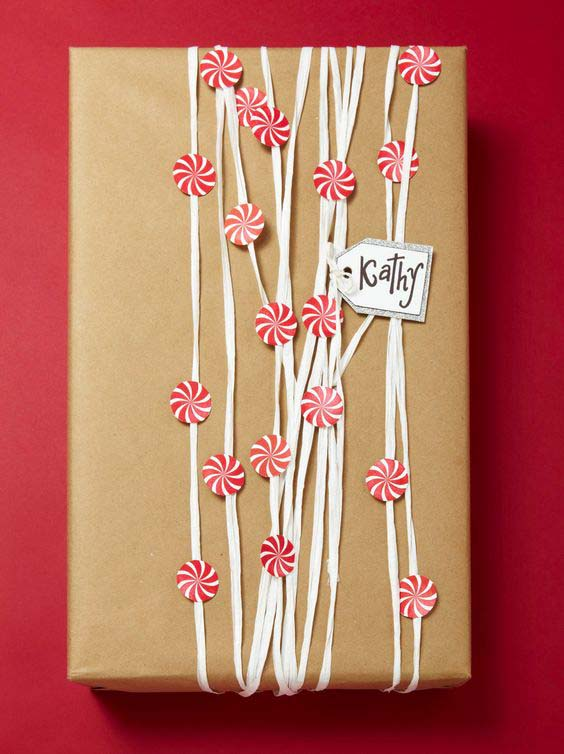 Peppermint Candy Gift Wrap #Christmas #diy #gift #wrapping #decorhomeideas