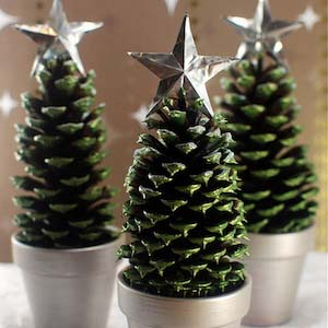 Pine Cone Christmas Trees #Christmas #natural #decoration #decorhomeideas