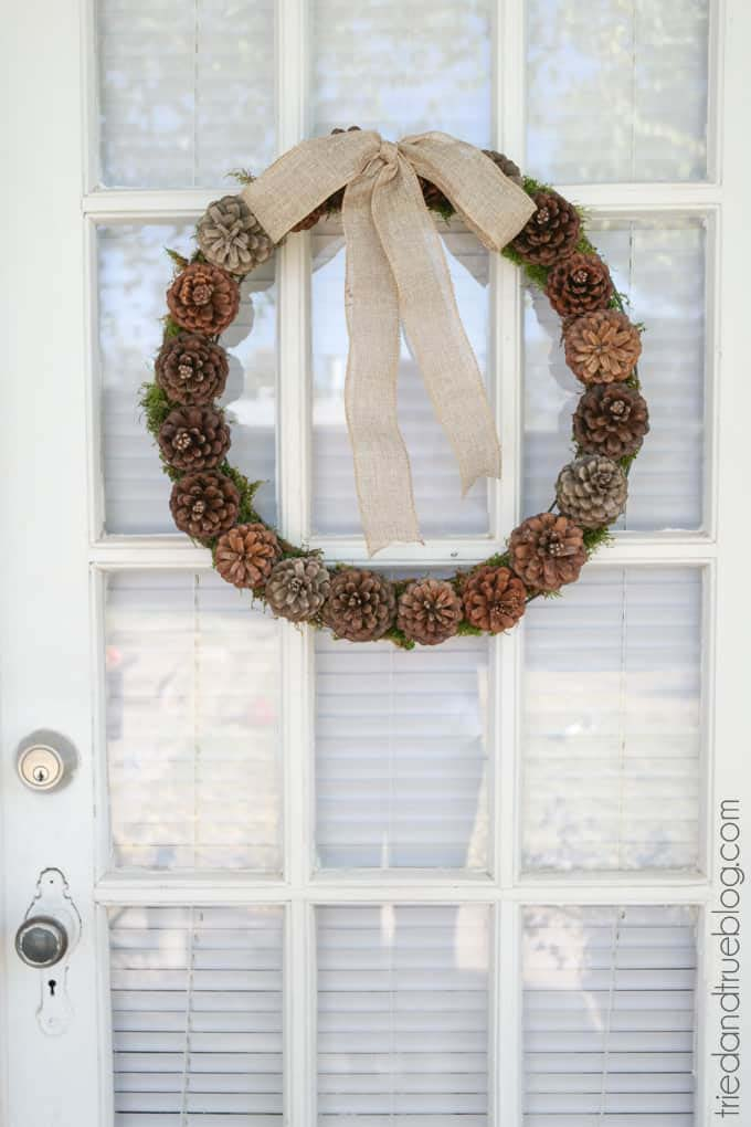 Pinecone Cone Wreath #Christmas #natural #decoration #decorhomeideas