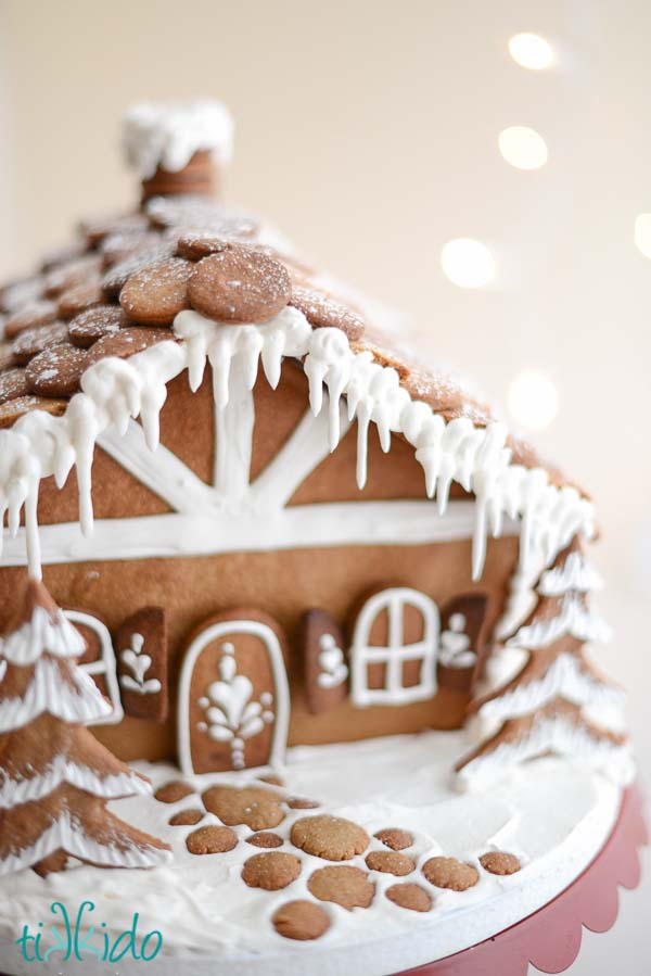 Professional Gingerbread House #Christmas #gingerbread #house #decorhomeideas