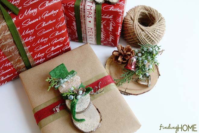 Rustic Snowman Gift Topper #Christmas #diy #gift #wrapping #decorhomeideas