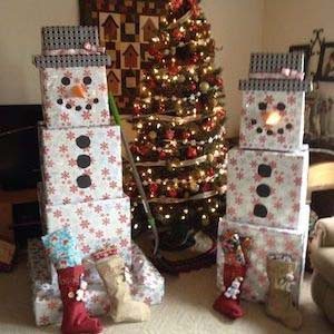 Snowman Stacked Christmas Gift Boxes #Christmas #diy #gift #wrapping #decorhomeideas