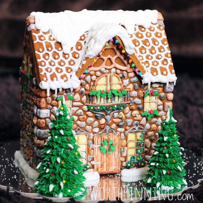 Stone Gingerbread House #Christmas #gingerbread #house #decorhomeideas