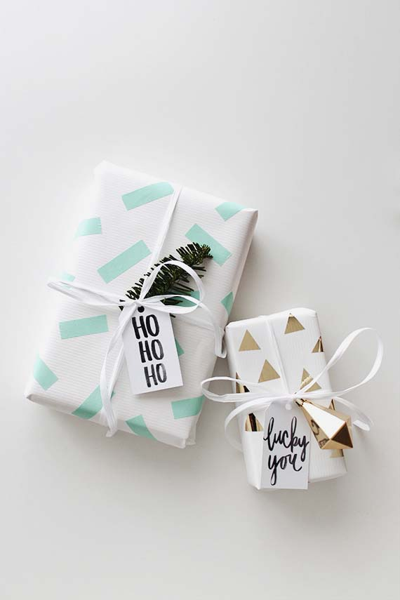 Washi Tape Gift Wrap #Christmas #diy #gift #wrapping #decorhomeideas